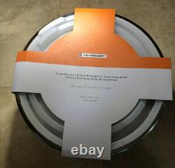Set of 3 LE CREUSET Stainless Steel Mixing Bowls with Lids Silicone Base NWT